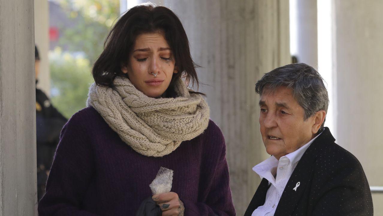 Segunda jornada del juicio contra El Chicle por el crimen de Diana Quer.Santiago Abascal saluda a los asistentes al mitin de Vox celebrado en Vigo durante la campaña electoral del 10N