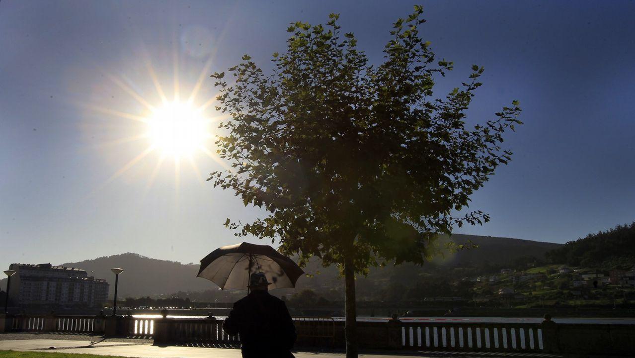 A Coruña vive su día más cálido del año en la playa.El observatorio de Izaña registra la evolución del CO2 desde 1984
