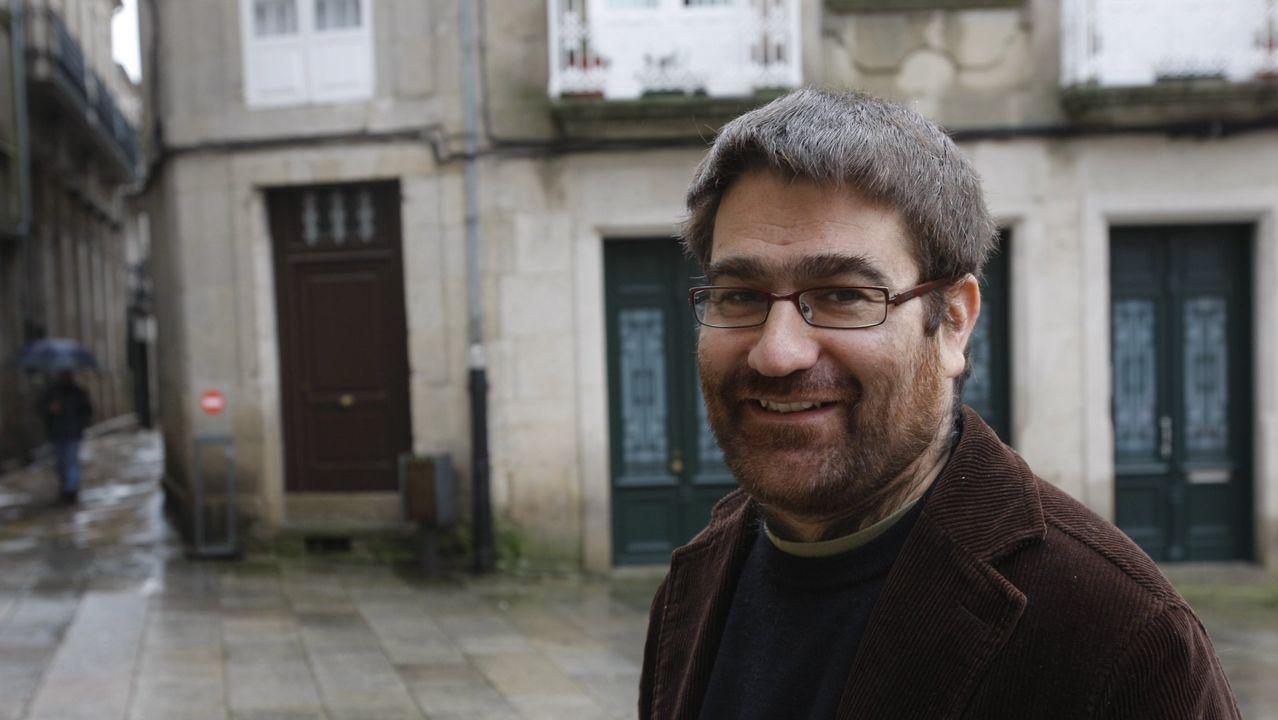 Juan García Costa, virólogo, trabaja en el CHUO