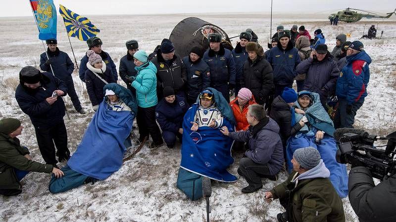 Se acopla con éxito la nave Soyuz a la Estación Espacial Internacional