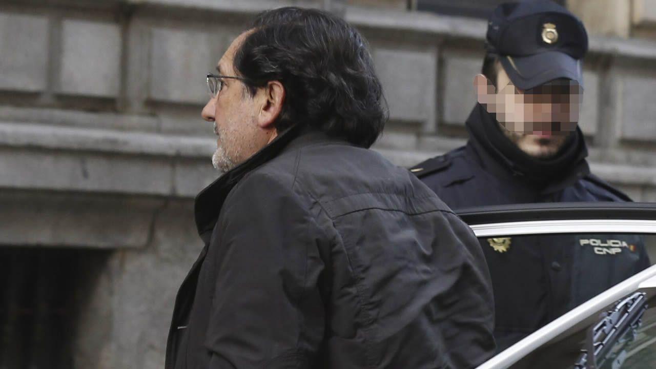 El Supremo mantiene la condena de cuatro años y medio a Rato por las tarjetas «black».José Antonio Moral Santín gastó 456.522 euros con la tarjeta opaca al fisco de Caja Madrid