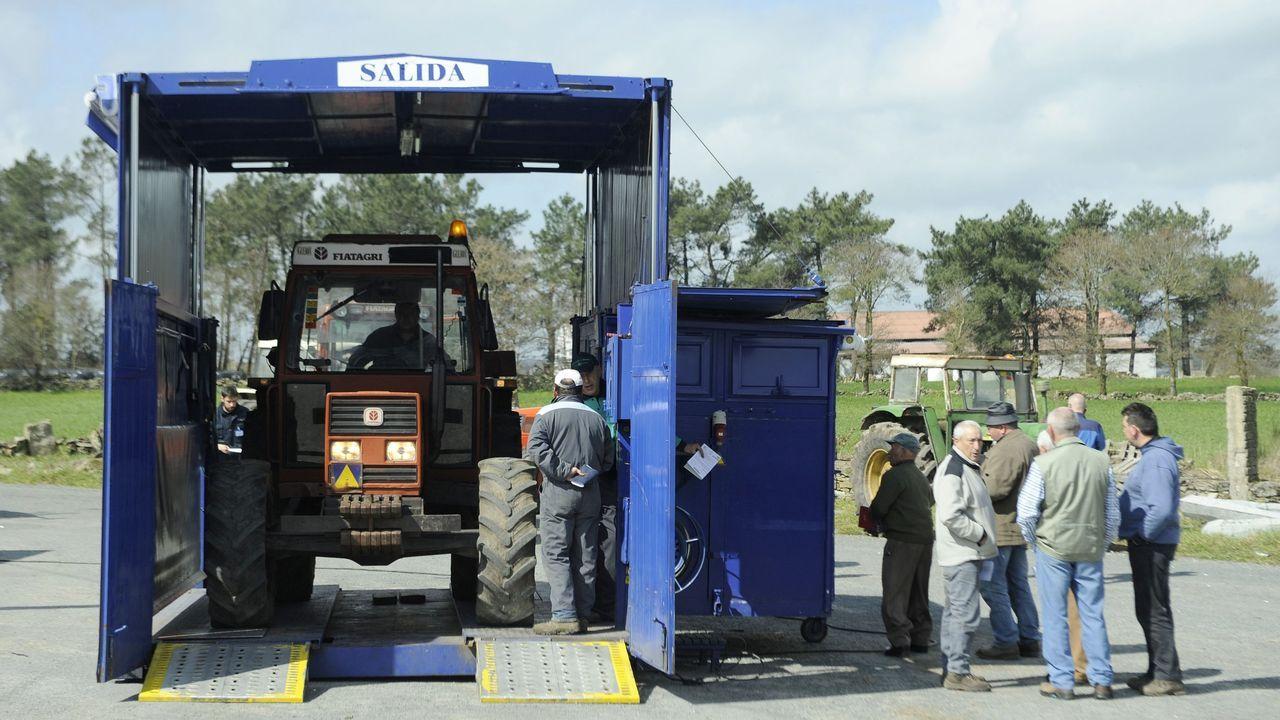 Pillado al volante de un tractor tras consumir cocaína: «Dun día para outro afecta iso?».Manifestación de los trabajadores de Itvasa