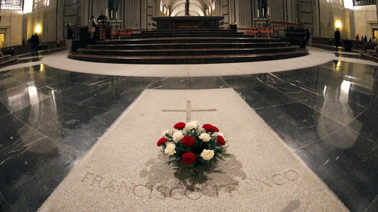 La tumba con los restos de Franco está en el interior de la capilla del Valle de los Caídos