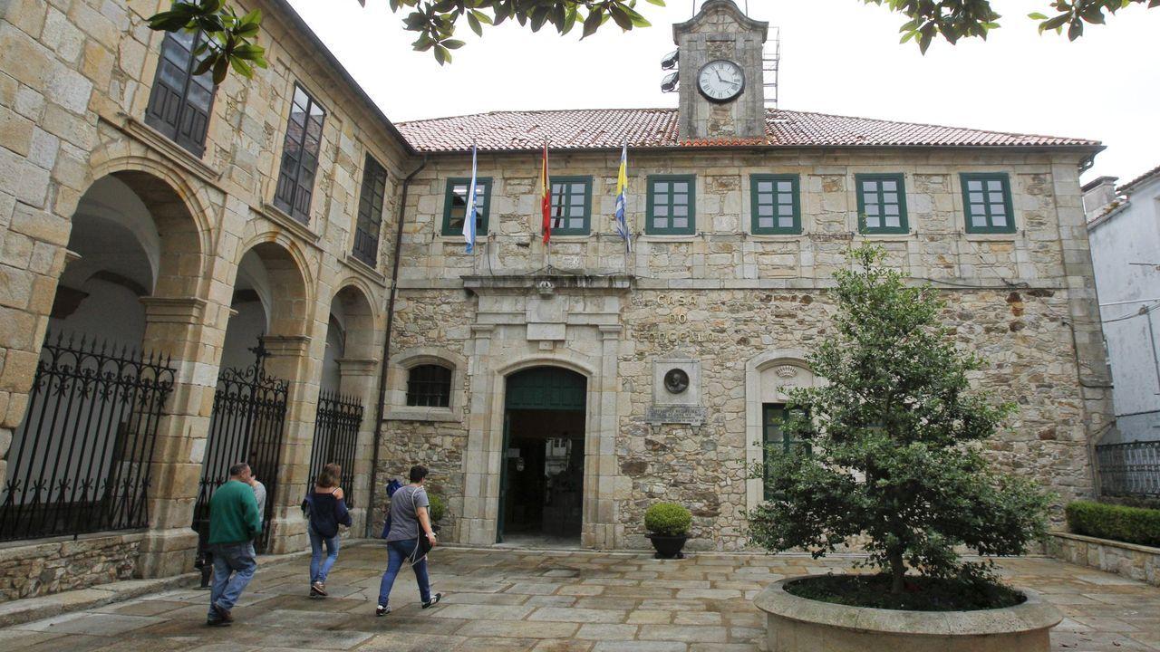 Terraza del restaurante De Manuel, en Ferrol, que también ofrece comida para llevar