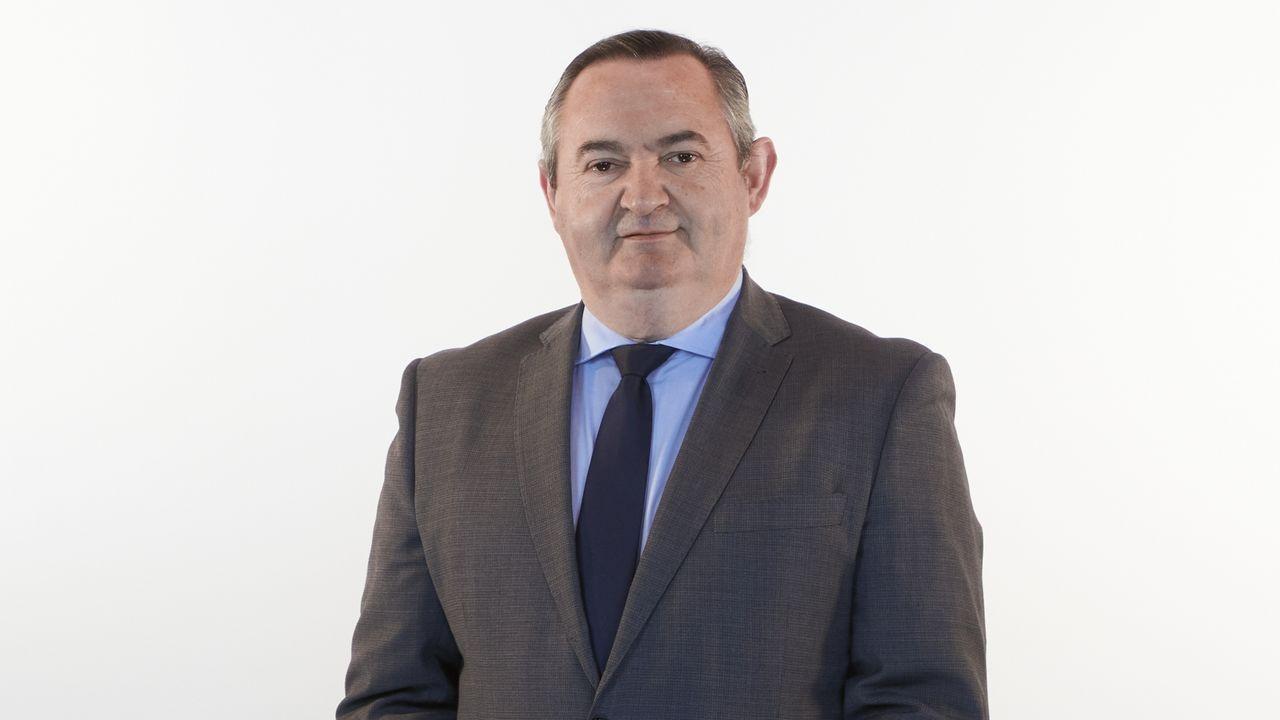 Jose Manuel Balseiro, número 5 del PP por Lugo. Diputado al Parlamento gallego desde el 2005, Durante el período de 2009 a 2016, se desempeñó como Secretario de la Mesa del Parlamento de Galicia y, dentro del Grupo Parlamentario Popular, fue responsable del portavoz del Mar, Montes e Incendios.
