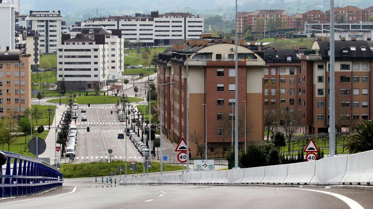 Vista de uno de los accesos al Hospital Universitario Central de Asturias (HUCA)