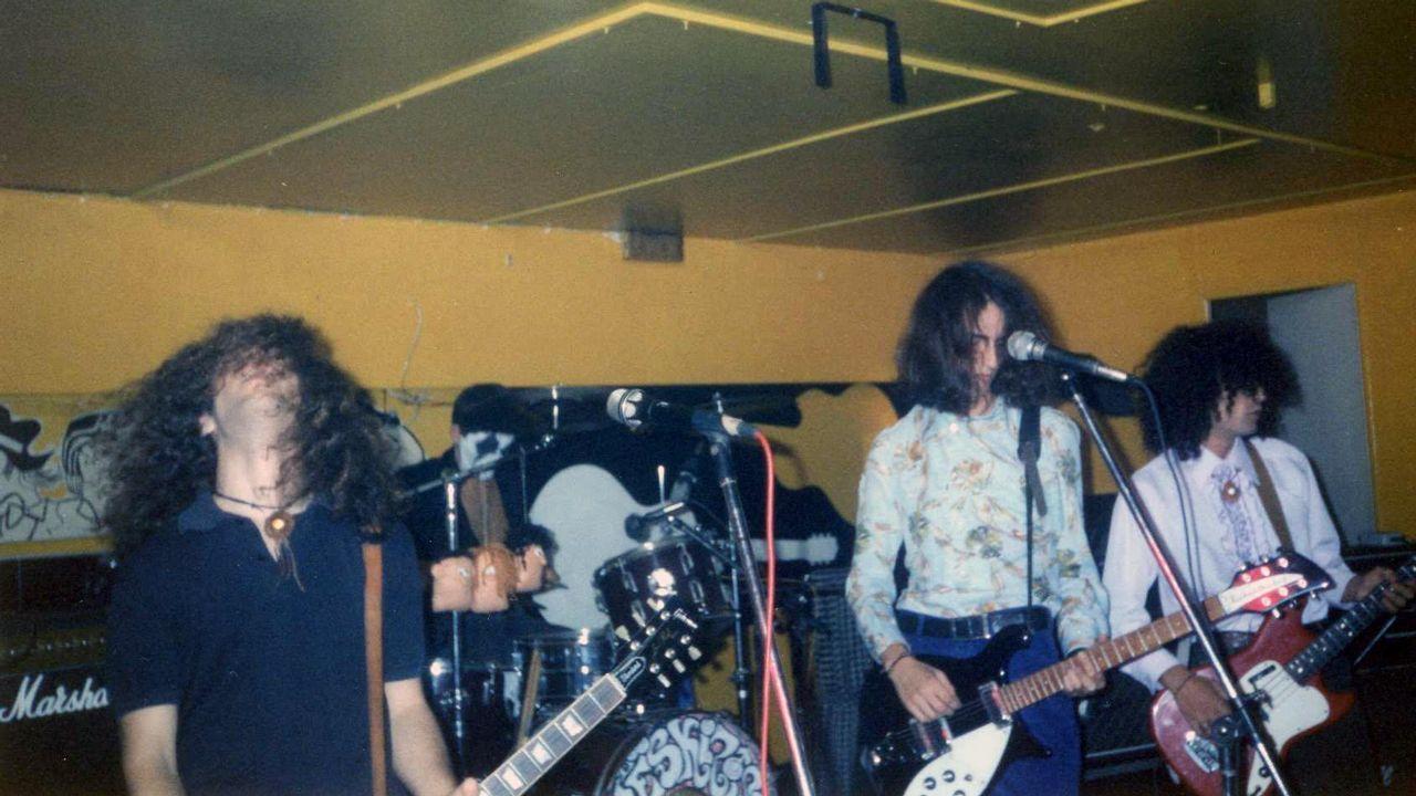 LOS ESKIZOS TOCANDO EN EL PLAYA CLUB EN SEPTIEMBRE DE 1992