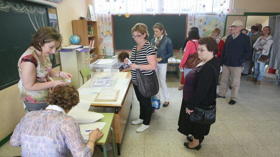 Votaciones en el colegio público de Cedeira en las últimas municipales