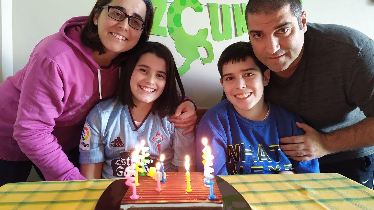 La familia Rubianes, de Vilagarcia, preparó un videoclip durante el confinamiento