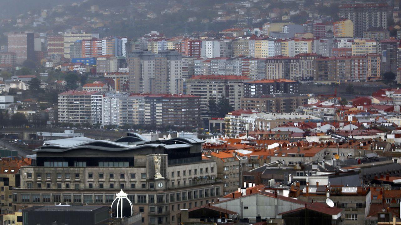 Panorámica de la ciudad durante un domingo en estado de alarma en todo el país