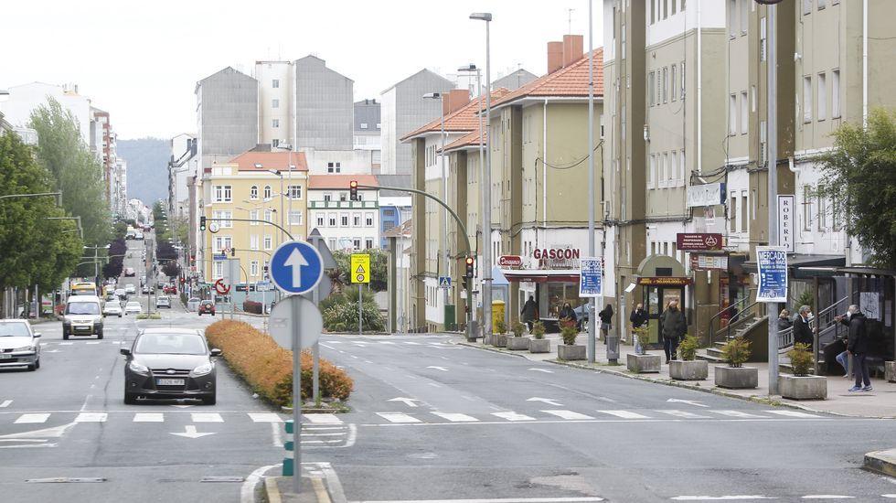 O tramo inicial dun dos principais eixos de acceso á cidade ten agora nalgúns puntos ata tres carrís de circulación