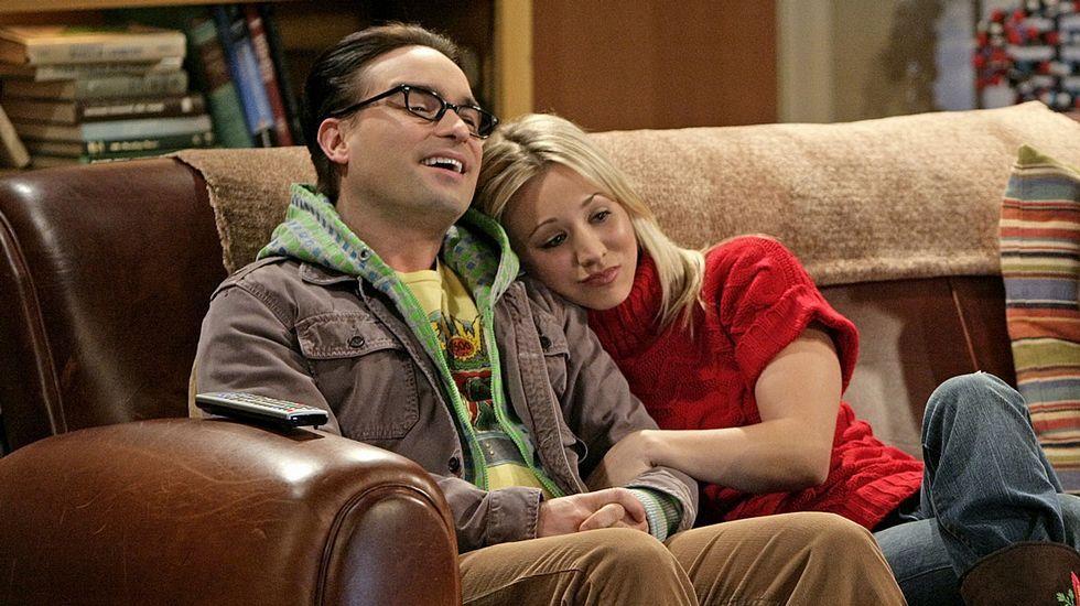 Johnny Galecki y Kaley Cuoco se conocieron haciendo de pareja en «The Big Bang Theory» y llevaron su relación a la vida real. Hace poco decidieron que serían solo amigos.