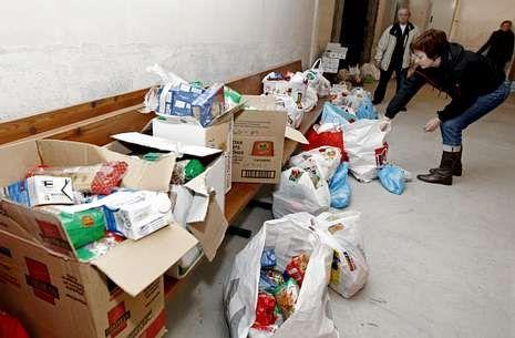 Recogida de alimentos de Cáritas para su reparto durante las pasadas Navidades.