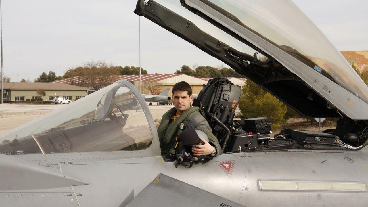 Un avión militar se estrella cerca de la base aérea de Albacete a su vuelta del desfile militar