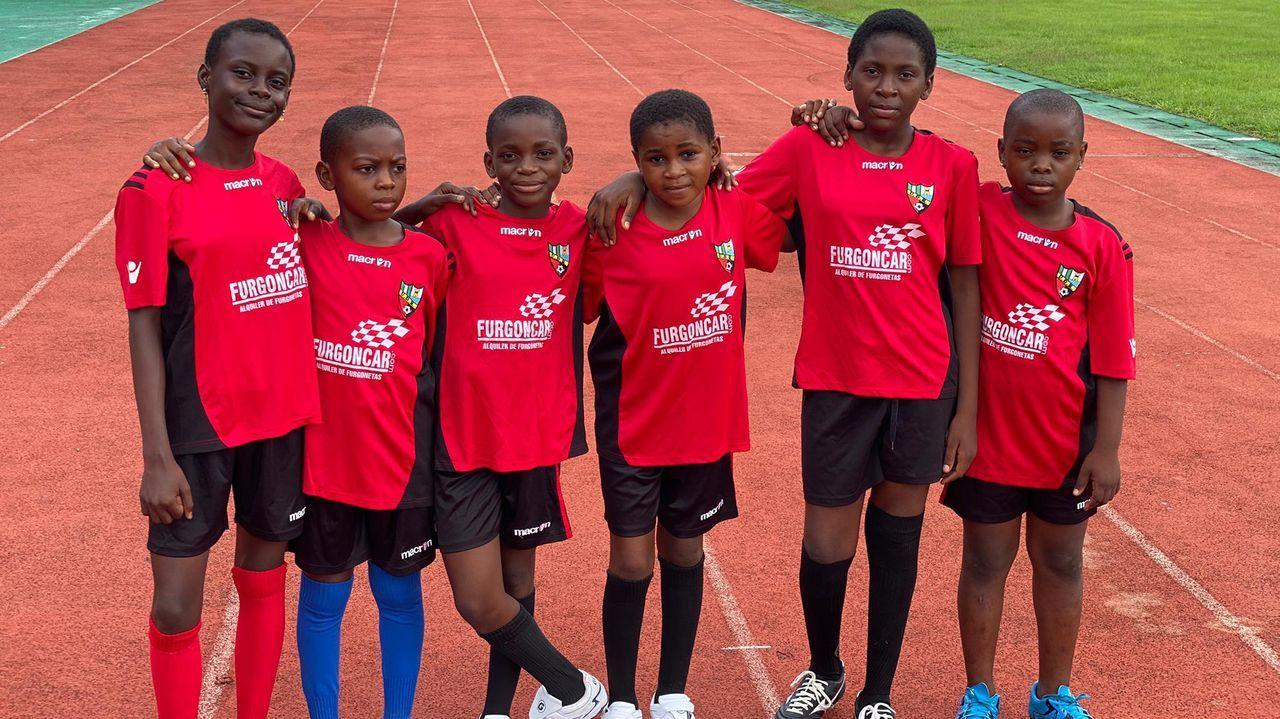 El fútbol más solidario de Arousa llega a Guinea