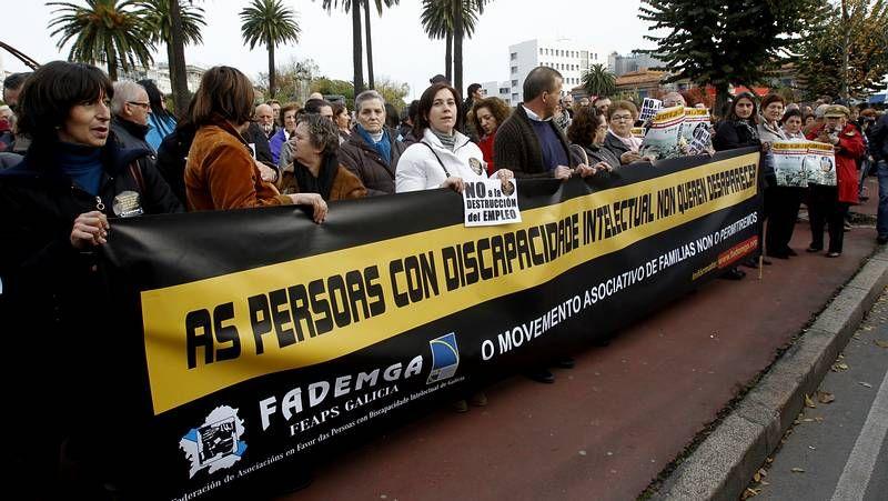 A reventar con el alumbrado.Concentración de Fademga en A Coruña.