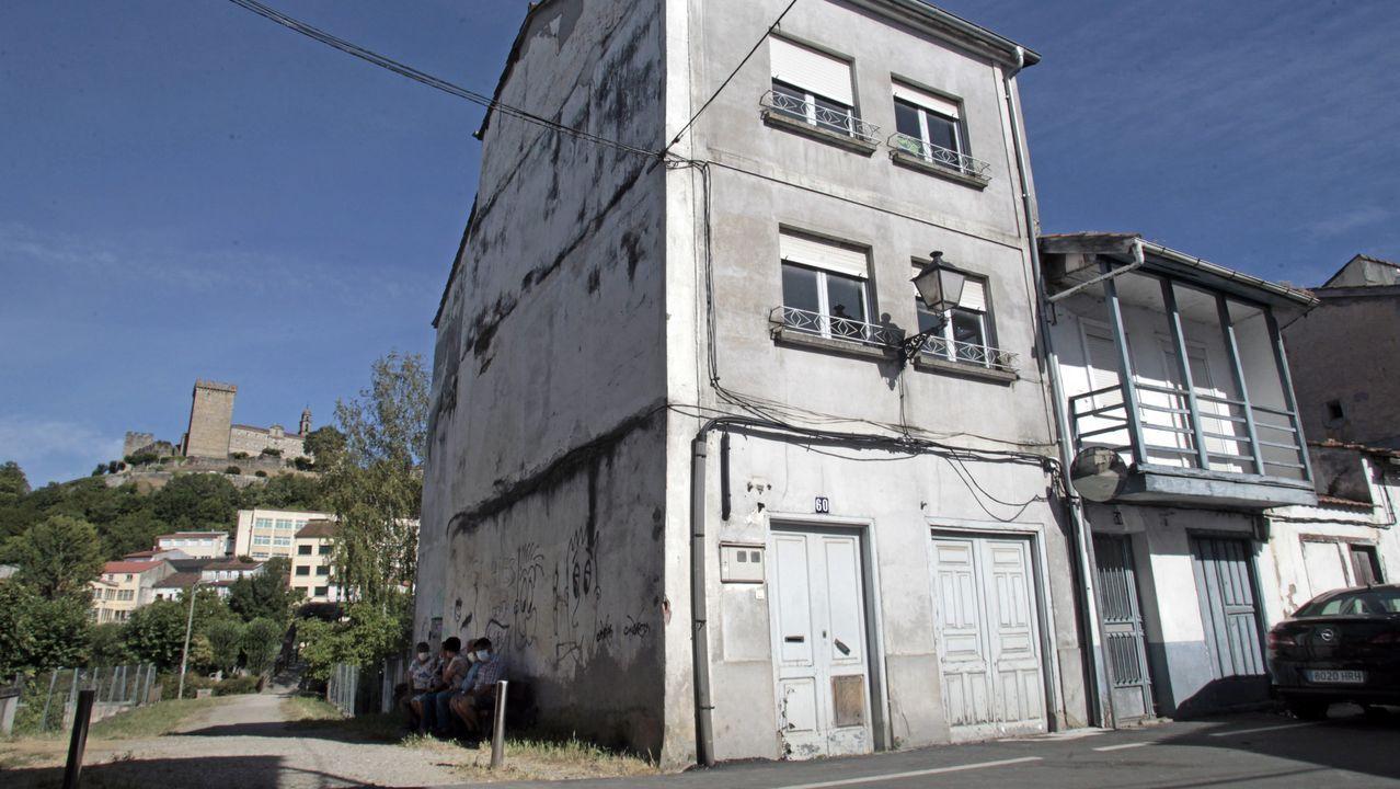 La casa que el Ayuntamento derribará es la del número 60 de la calle Santa Clara