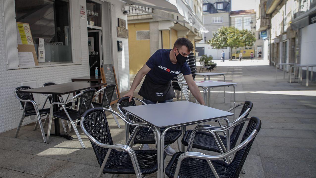 La hostelería de A Pobra podrá incrementar sus aforos notablemente a partir de mañana, puesto que tendrá un 50 % interior y un 75 % en terraza