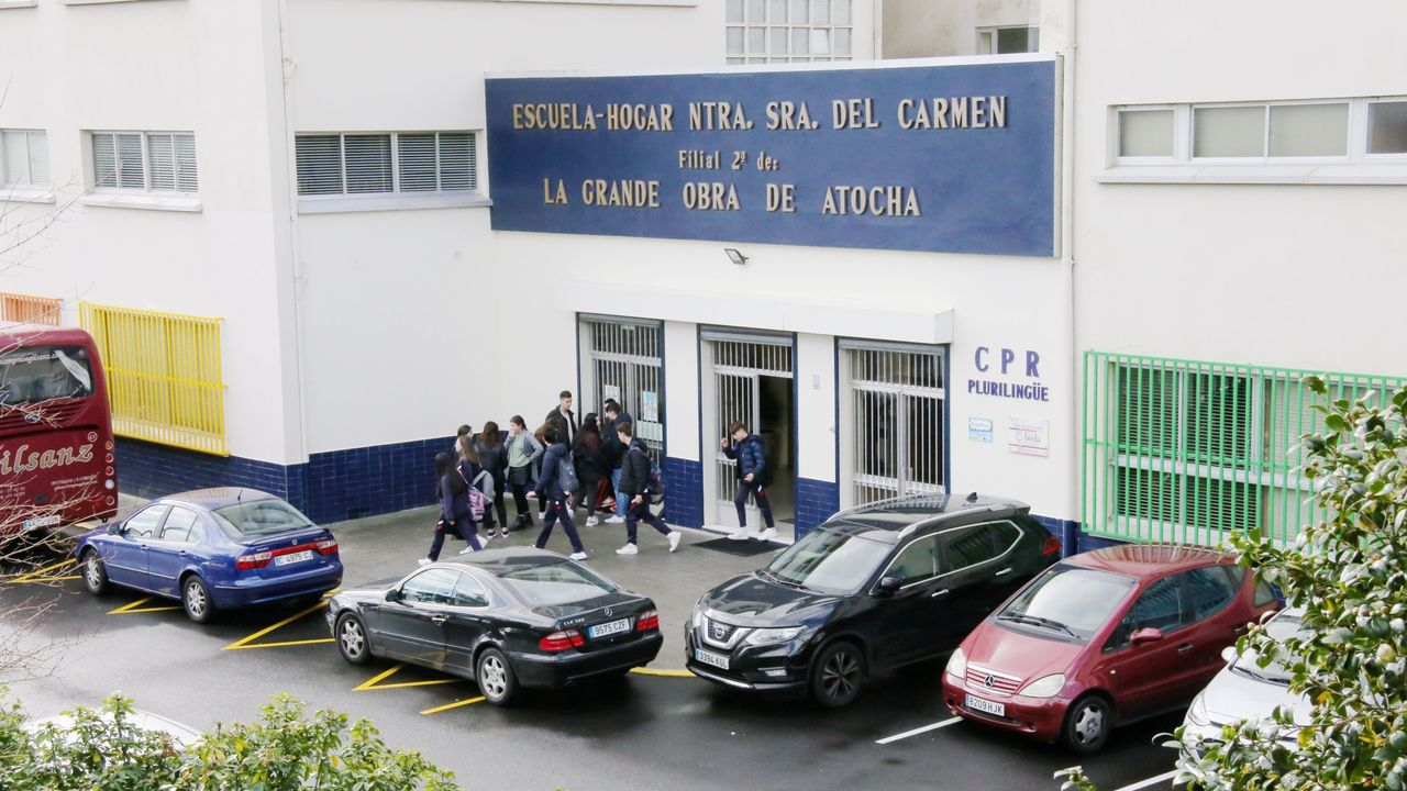 Gadisa, la logística al servicio del cliente.La alcaldesa, María Barral, y el concejal Diego Fernández visitando esta semana las obras de A Ribeira