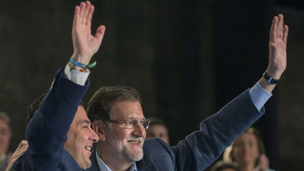 Manifestación en Portugal contra el Gobierno y los recortes.Rajoy con el candidato del PP a la Junta de Andalucía, Juan Manuel Moreno Bonilla