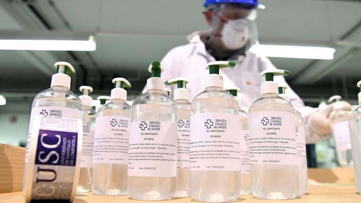 La producción de gel para el Sergas fue una de las iniciativas más llamativas del comienzo de la pandemia