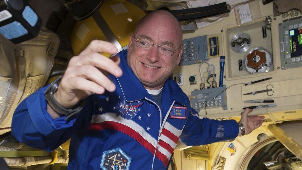 Relevo en el mando de la Estación Espacial Internacional