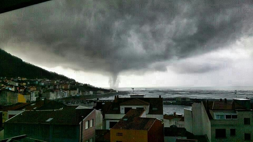 Vista del tornado que afectó al municipio de A Guarda