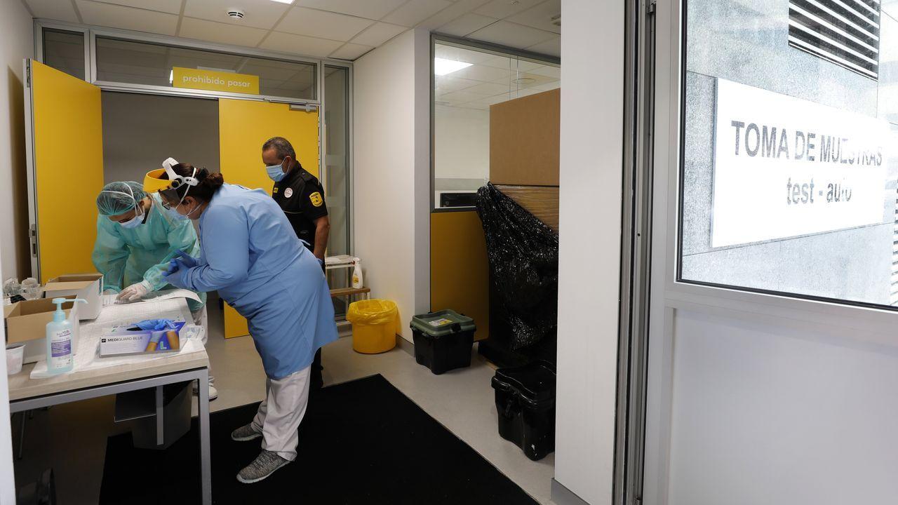 En el Hospital Público da Mariña continúa el rastreo intensivo y la toma de muestras de posibles afectados de covid-19