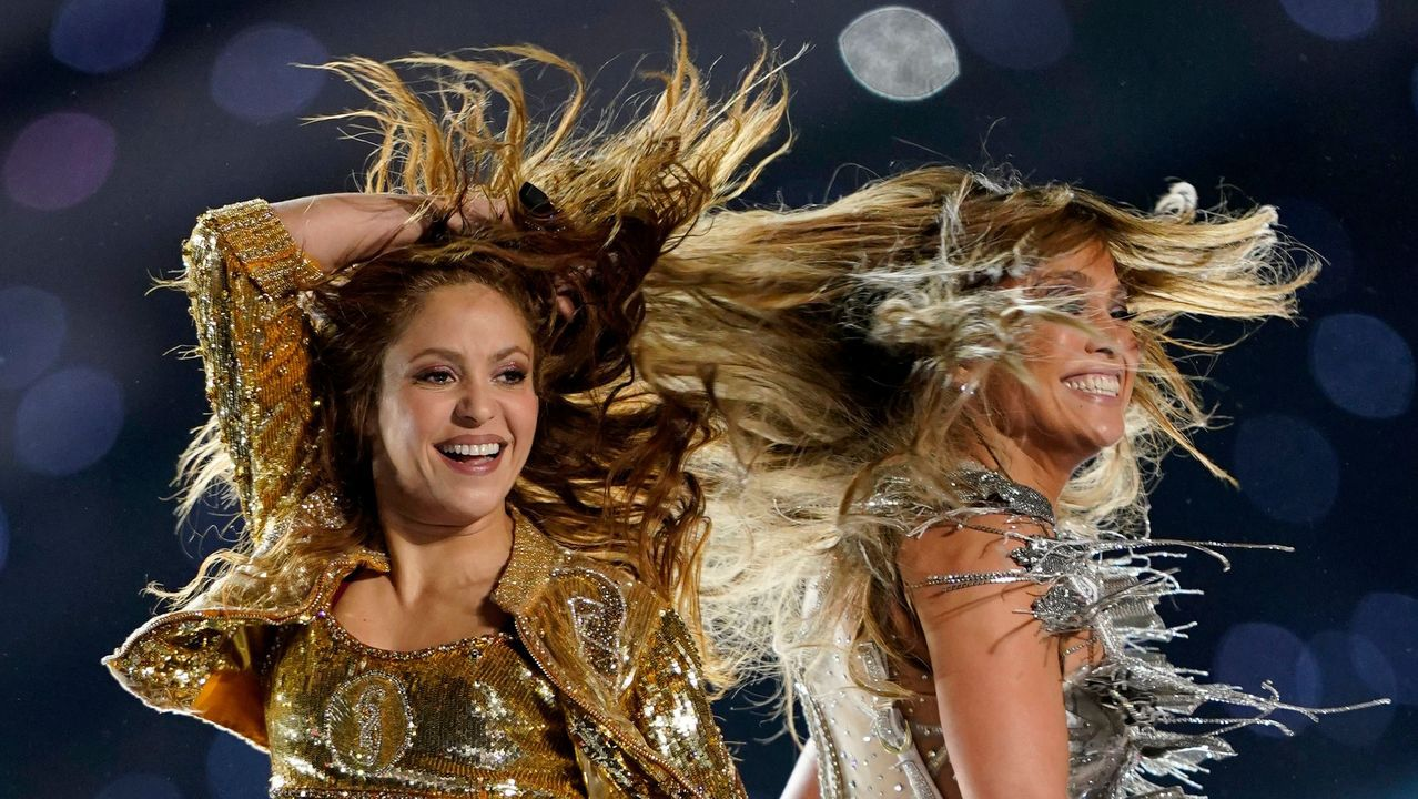 La actuación de Shakira y JLo en la Super Bowl, en fotos.Alfredo Canti, Manolo Paredes y Nacho Cuesta en el Carlos Tartiere