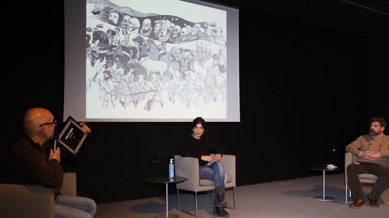 Imaxe da inauguración da escola, do arquivo de Clodio González