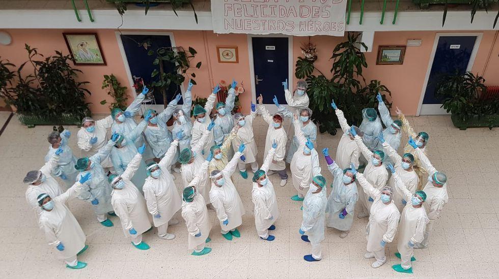 El personal de Nuestra Señora de la Esperanza celebra las nuevas altas