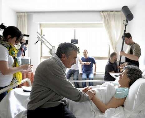 Padre Casares.<span lang= es-es >Elenco</span>. Los actores protagonistas del cortometraje «Flores para Amalia» son Gonzalo Uriarte y Mela Casal.