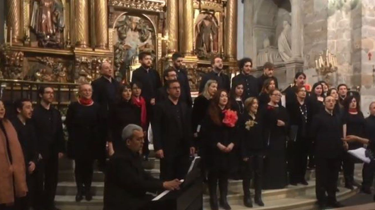 Coro de la Ópera de Oviedo, en la Basílica de Cangas del Narcea