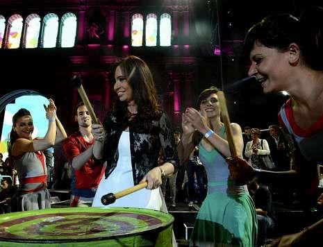 Cristina Fernández, en uno de los pocos actos públicos en los que se dejó ver tras su operación.
