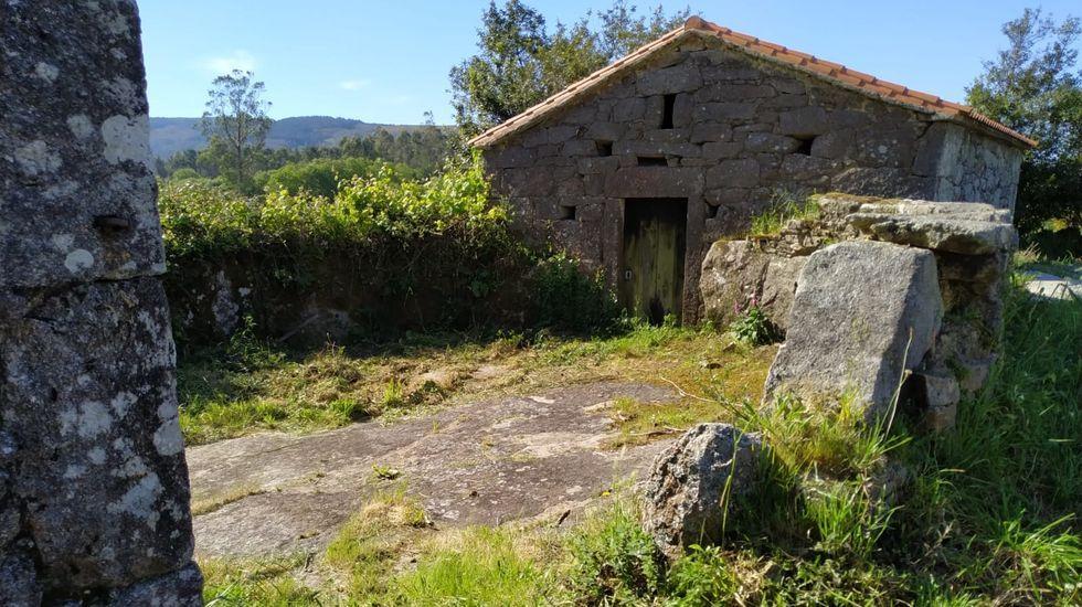 Eira e cabana do Varelo, en Grixoa