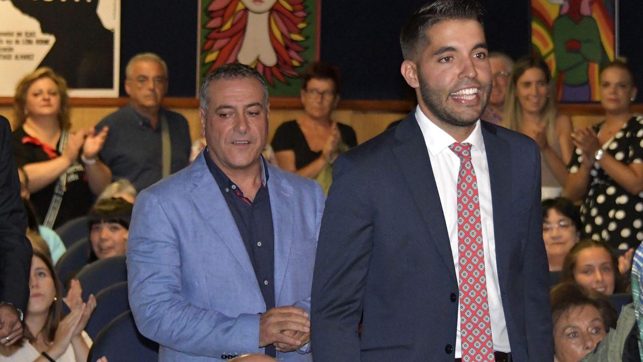 Participantes en el seminario en la clausura de las jornadas, con los alcaldes de Sober y Pantón