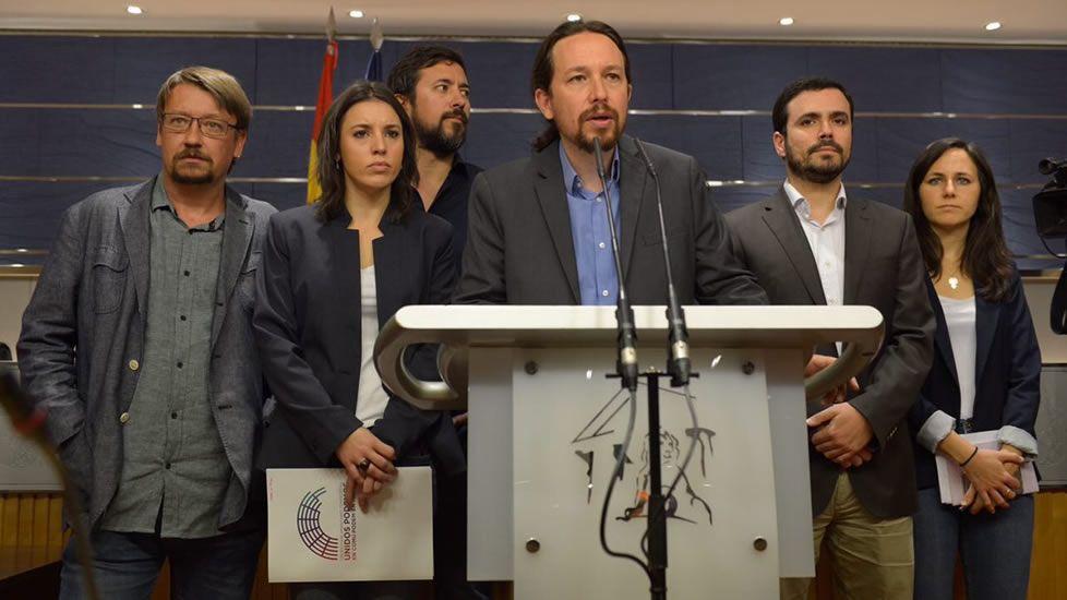 Unidos Podemos inicia conversaciones para presentar una moción de censura al Gobierno.Juan José de la Fuente