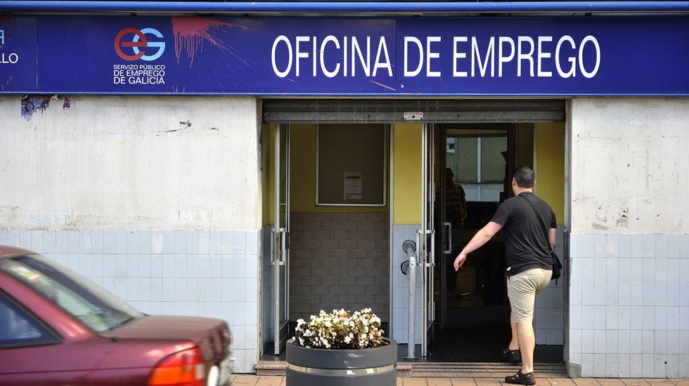 Fernando Miramontes, una vida de política y lucha obrera.Foto de archivo de una oficina de empleo en Ferrol