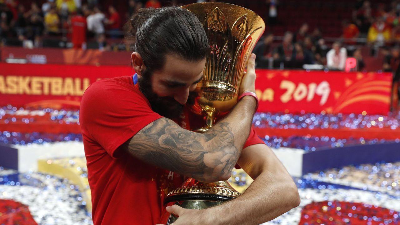 El jugador de baloncesto Ricky Rubio será la primera estrella del deporte que revele sus rutinas en Clan.