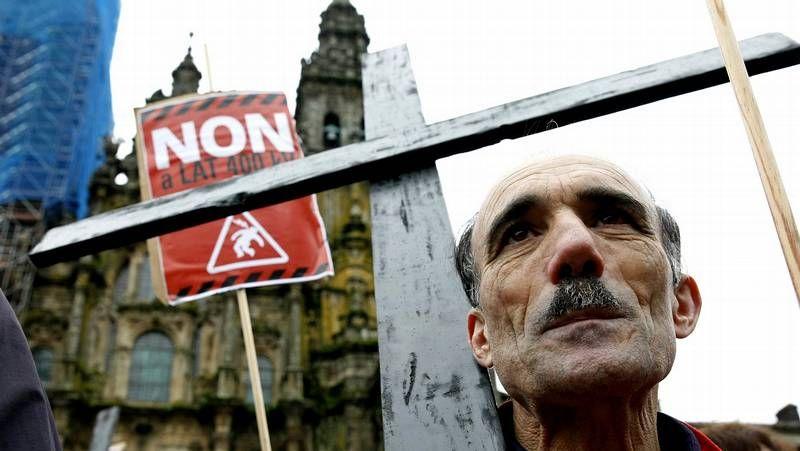 Arbo, contra la alta tensión.La ejecutiva provincial del PSOE se reunió ayer, a última hora de la tarde, en la sede.
