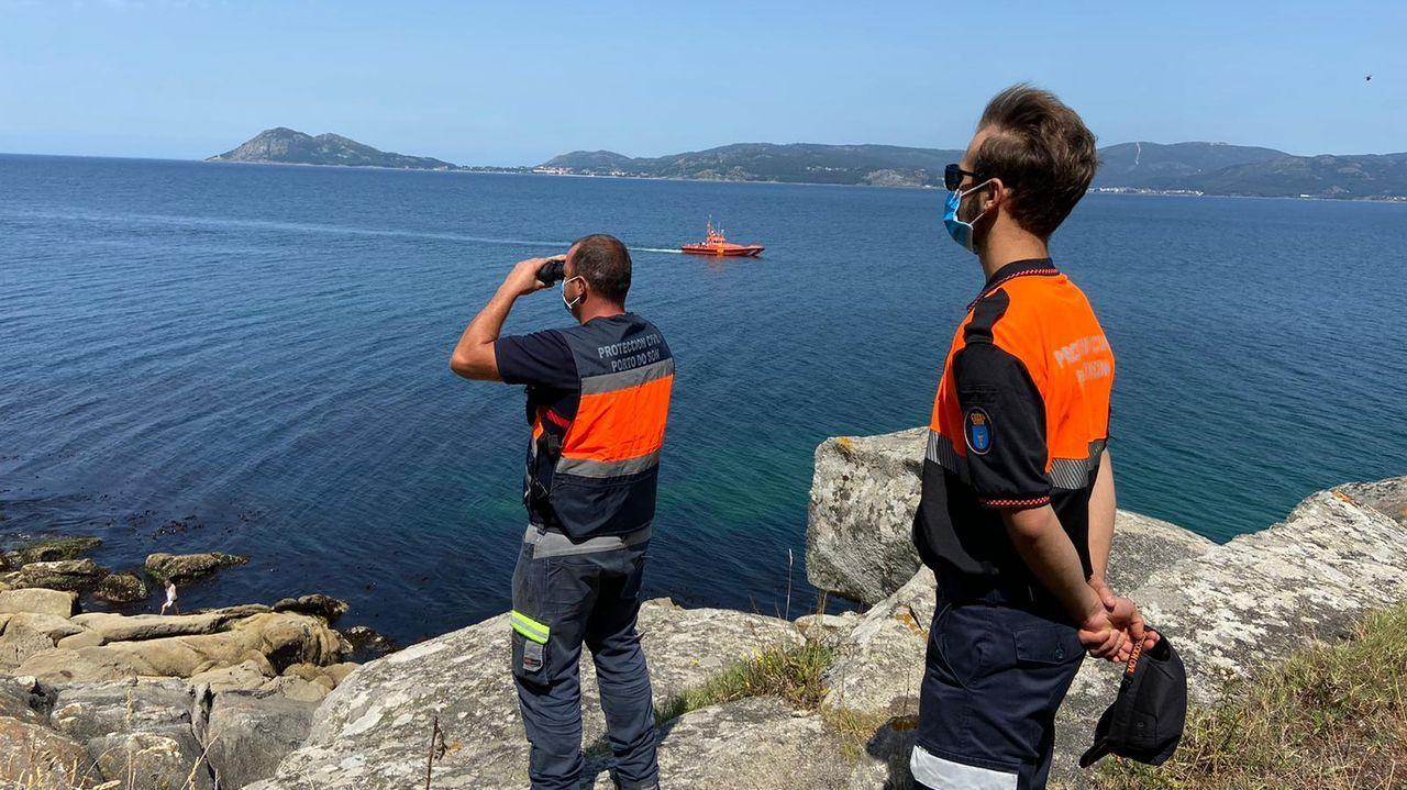 Tercerajornada de búsqueda de los dos jóvenes desaparecidos en Porto do Son.Colas para PCR en el Hospital Público da Mariña, en Burela, este miércoles