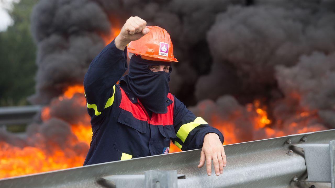Trabajadores de Alcoa cortaron la A-6 a la altura de Outeiro de Rei