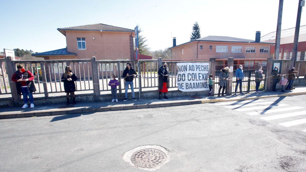 El domingo 21 tuvo lugar una nueva protesta en Baamonde contra el cierre del colegio