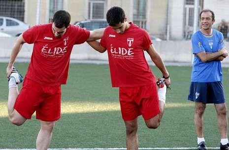 Varela, a la izquierda, tendrá un nuevo compañero en la delantera del Club Lemos.