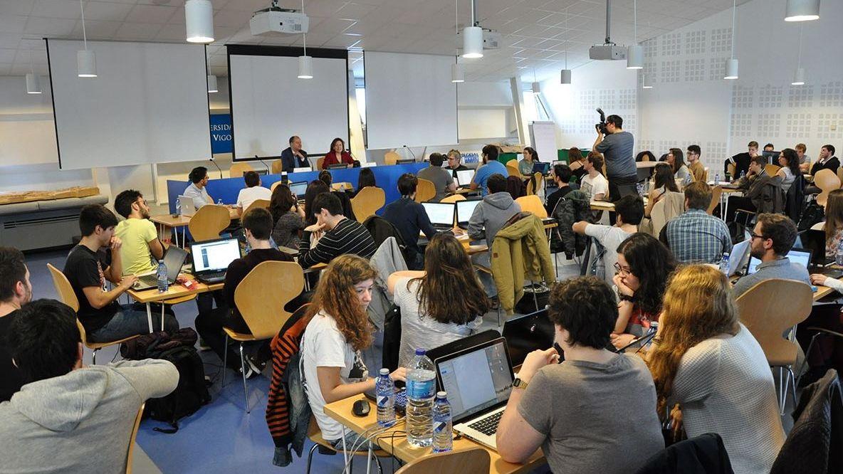 Vigo enciende la Navidad.Congreso de hackers de la universidad