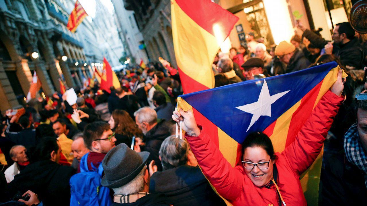 Los Mossos d'Esquadra cortaron este domingo los dos sentidos de la Via Laietana de Barcelona ante las protestas convocadas por los Comités de Defensa de la República (CDR)