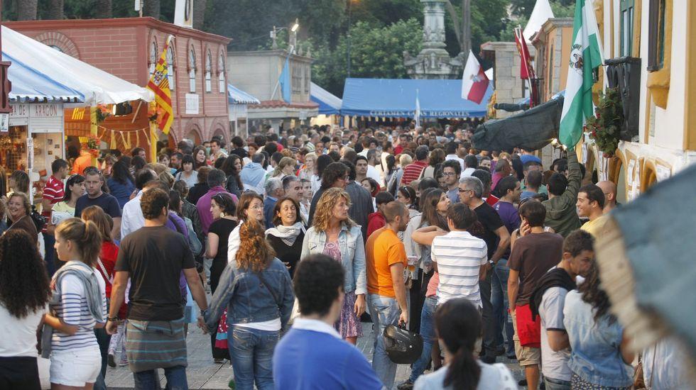 Público en la plaza de María Pita viendo un concierto de Malú en el 2013.