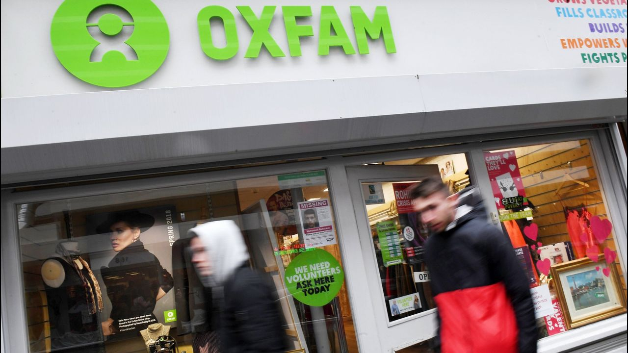 La filial española de Oxfam Intermón confiesa 4 casos de casos de abuso sexual.El secretario general de Oxfam, José María Vera, apesadumbrado, en el momento en el que comunicó que en la filial de España también tenían constancia de abusos
