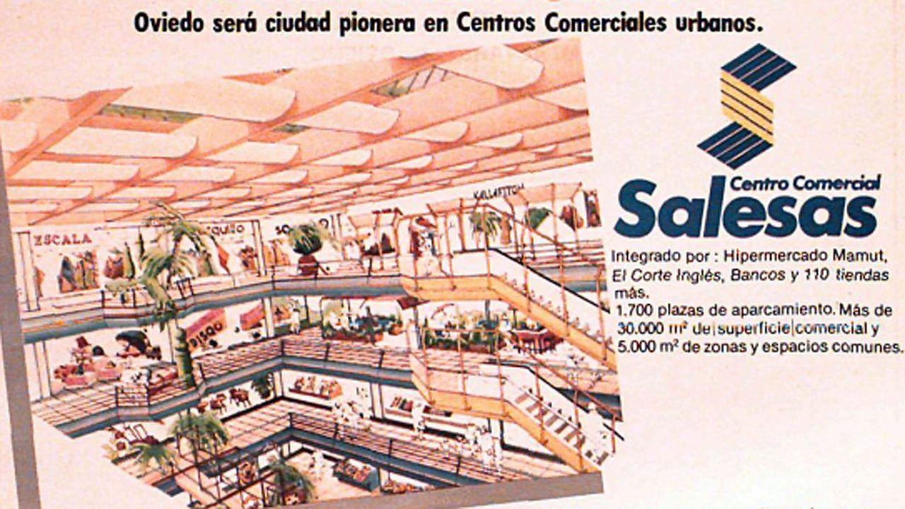 Anuncio de la inauguración del centro comercial Salesas de Oviedo, en el local en el que estuvo el convento de las monjas visitandinas