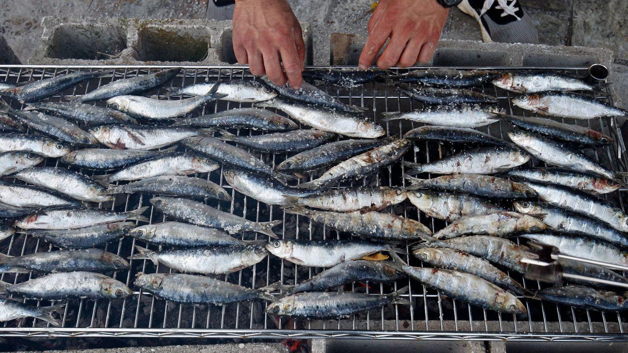 Los cocineros que participaron en el primer Encuentro de los Mares se fotografiaron a las puertas del Aponiente (Puerto de Santa María), con el «chef» del mar, Ángel León, como anfitrión